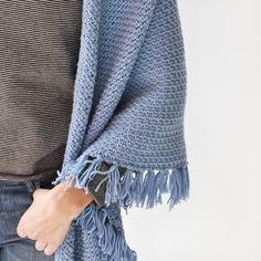 Granite stitch, soft merino yarn and a beautiful pastel colour yiels this pretty wrap!