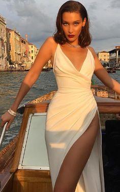 Nouveau Rich in 2020 Cute Prom Dresses, Grad Dresses, Ball Dresses, Satin Dresses, Elegant Dresses, Pretty Dresses, Beautiful Dresses, Evening Dresses, Gowns