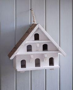 Une cabane à oiseaux 5 étoiles.