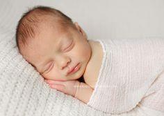 I love her newborn pictures!