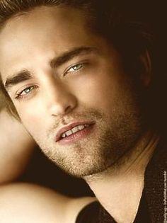 A Close UP- Of Robert Pattinson Damn........