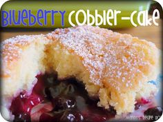 Blueberry Cobbler Cake 1 c. butter 1 c. almond extract or vanilla extract 2 c. can pie filling powdered sugar for dusting whipped cream Just Desserts, Delicious Desserts, Yummy Food, Tasty, Yummy Eats, Healthy Food, Fruit Cobbler, Blueberry Cobbler, Raspberry Cobbler