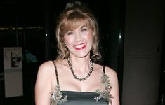 Barbara Lynn Klein, more popularly known as Barbi Benton was born to a Jewish family in New York. She did her early schooling from Rio Americano High School in Betty Shabazz, Barbi Benton, Mary Tyler Moore Show, Susan Lucci, Kim Cattrall, Samantha Jones, Jamie Lee Curtis, Emma Thompson, Fashion Magazine Cover