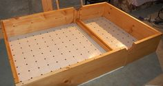 20 Comfy and Classy Whelping Box Ideas 15 Dog Whelping Box, Whelping Puppies, Puppy Care, Dog Care, Welping Box, Dog Kennel Designs, Kennel Ideas, Puppy Box, Puppy Pens