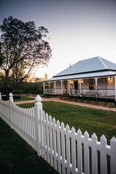 Front Fence, Front Entry, Charming House, Queenslander, Cottage Exterior, Country Style Homes, Outdoor Living, Outdoor Decor, Facade House