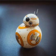 Der App gesteuerter Star Wars BB-8 Droid ist ein toller Begleiter für Star Wars…