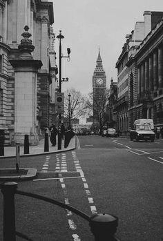London in black and white... i'm in love whit this pic! ❤️