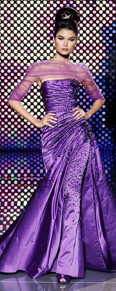 Stunning Zuhair Murad in Purple Purple Gowns, Purple Dress, Mode Purple, Purple Haze, Gents Fashion, Glamour, Purple Reign, All Things Purple, Purple Fashion