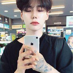 boy, asian, and ulzzang image Cute Asian Guys, Cute Korean Boys, Asian Boys, Asian Men, Pretty Asian, Korean Boys Ulzzang, Ulzzang Couple, Ulzzang Boy, Bad Boy Aesthetic