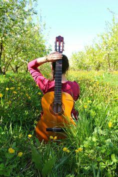 Девушка, гитара)
