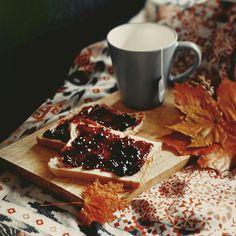 Autumn child - Tea & Toast