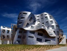 Gehry Partners, LLP – rarely shy from delivering truly awe-inspiring buildings, that become instant icons. Their latest offering, Las Vegas' The Cleveland Clinic Lou Ruvo Center for Brain Health, is no different.