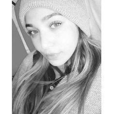 Farah, 21, Lebanese.