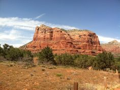 Bell Rock Pathway Trail is a 3.7 mile trail located near Sedona, Arizona and is rated as moderate. The trail is primarily used for hiking and is accessible year-round.