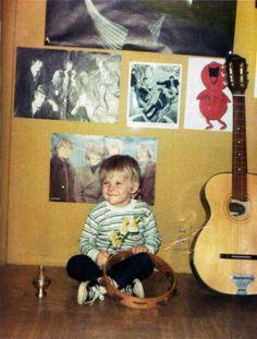 Kurt Cobain  As a happy 2 year old.