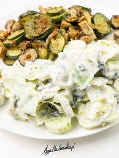zasmazana-cukinia-pieczarki-z-dodatkami-zdrowy-przepis-11 Tofu, Sprouts, Potato Salad, Food And Drink, Potatoes, Cooking Recipes, Vegan, Vegetables, Ethnic Recipes
