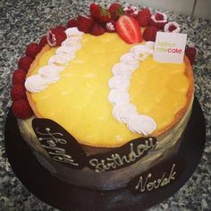 Découvrez le gâteau d'anniversaire sans gluten de Novak Djokovic par Helmut Newcake !