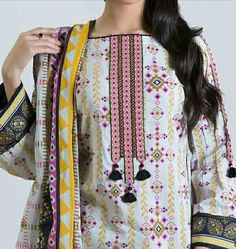 Neck Designs For Suits, Sleeves Designs For Dresses, Neckline Designs, Dress Neck Designs, Necklines For Dresses, Beautiful Pakistani Dresses, Pakistani Dresses Casual, Pakistani Dress Design, Beautiful Dress Designs