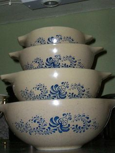 Pyrex Homestead Cinderella Mixing Bowl Set of by thetrendykitchen, $48.00