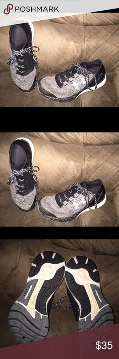 Women's Sz 8.5 Under Armour Charged Tennis Shoes Women's Sz 8.5 Under Armour Charged Tennis Shoes. Still have lots of life. All reasonable offers considered. Bundle and receive a discount. Under Armour Shoes Sneakers