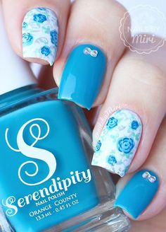 Blue and White Girly Nail Art. Have a pool party? This blue and white girly girl nail art is the best thing to wear.