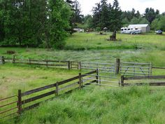 Fazenda no condado de Clackamas, estado do Oregon, USA.  Fotografia:  Tom Salzer.