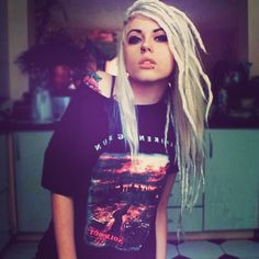 cool lookin White Girl Dreads, Dreads Girl, Dreadlock Rasta, Dreadlocks, Gypsy Punk, Blonde Dreads, Nu Goth, Pastel Goth, White Girls