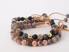 Prachtige handgeknoopte armbanden van Karma in shambhala stijl. Gemaakt van preciosa kristal en natuurstenen. http://www.widaro.nl/merken/karma.html