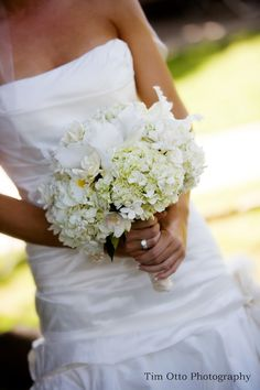 White bridal bouquet www.facebook.com/PinkCastleDesigns can create this look