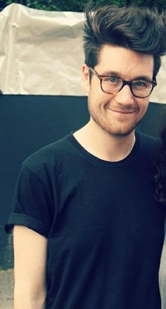 Dan Smith, lead singer of Bastille, his voice is amazing <3
