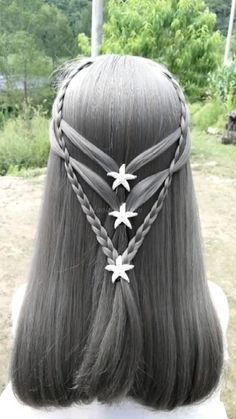 Braid hairstyle has always been a symbol of beauty. And no matter, short or long hair, hair with braids will always give Blonde Layered Hair, Medium Layered Hair, Blonde Hair, Hairstyles Haircuts, Braided Hairstyles, Cool Hairstyles, Witchy Hair, Hairdo For Long Hair, Hair Skin Nails