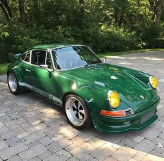 Image may contain: 1 person, car and outdoor Porsche 911 Targa, Porsche Autos, Porsche Club, Porsche Classic, Classic Cars, Ruf Automobile, Singer Porsche, Vintage Porsche, Classic Sports Cars