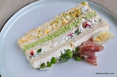 tort aperitiv cum se face reteta pas cu pas Finger Food Appetizers, Finger Foods, Appetizer Recipes, Entree Festive, Avocado Toast, Sushi, Recipies, Food And Drink, Yummy Food