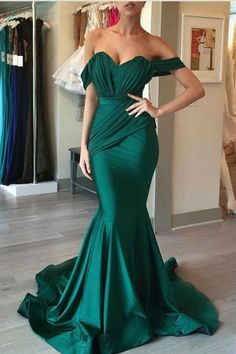 Sparkly Prom Dress, mermaid prom dress,emerald green evening dress,sweetheart formal dress,sexy prom dress These 2020 prom dresses include everything from sophisticated long prom gowns to short party dresses for prom. Emerald Green Evening Dress, Emerald Green Bridesmaid Dresses, Evening Dress Long, Mermaid Evening Dresses, Evening Gowns, Evening Party, Emerald Green Wedding Dress, Forrest Green Bridesmaid Dresses, Dark Green Prom Dresses