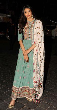 6 Latest Anarkali Dress Styles You Must Have In Your Ethnic Wardrobe Anarkali Dress, Pakistani Dresses, Indian Dresses, Indian Outfits, Anarkali Suits, Lehenga Designs, Kurti Designs Party Wear, Dress Designs, Indian Attire