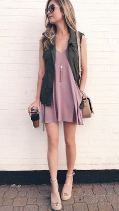 Spring Outfit Ideas and Weekend Sales for Mid May 2018 Sharing my top Spring outfit ideas of the weekend and what to grab on sale this weekend! Source by spring outfits casual Summer Outfits 2017, Spring Outfits, Spring Clothes, Outfit Summer, Summer Casual Outfits For Women, Pink Dress Outfits, Summer Vest, Dressy Outfits, Casual Summer