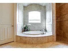 Soaker tub and walk-in shower // Master bathroom