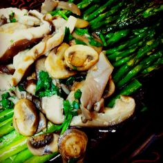Dinner: Roasted Asparagus with Wild Mushrooms