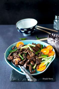 Orange Beef (stir-fry beef, mushrooms, scallions, oil, oranges, soy sauce, honey, Shaoxing rice wine/dry sherry/vinegar, orange juice, orange zest, chili sauce)