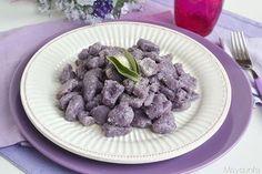 Gnocchi di patate viola, scopri la ricetta: http://www.misya.info/ricetta/gnocchi-di-patate-viola.htm