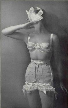 jeanjeanie61:  Charmis Lingerie - 1956 L'Officiel De La Mode - 417-418