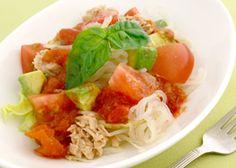 トマトとアボカドでパスタみたいなしらたきサラダ~手作りトマトドレッシングで~