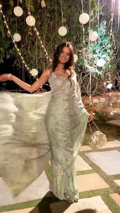 Indian Outfits Modern, Casual Indian Fashion, Crepe Saree, Indian Designer Suits, Saree Trends, Bridal Lehenga Choli, Elegant Saree, Saree Look, Indian Models