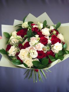 #24 - White & Red Bouquet ExtraLarge