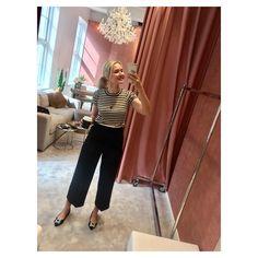 Et lite tips! Neste gang du er på @hoyerluxurywoman, spør om å få låne selfie-stasjonen 😆(aka personal shopping rommet). Og hils fra the…