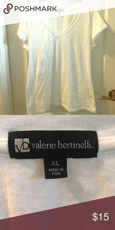 NWOT 👚👕SALE Valerie Bertinelli White T Shirt New 95 Cotton 5 Spandex V Neck T Shirt Valerie Bertinelli Tops Tees - Short Sleeve