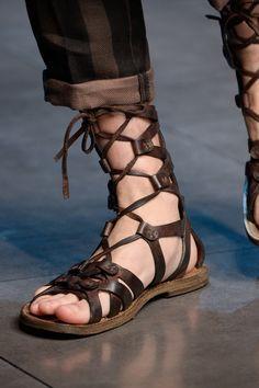 97c9b2d53 Farfetch. The World Through Fashion. Flip Flop ...