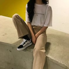 📌:softaehyungx Source by LianaKookie outfit ulzzang Retro Outfits, Korean Outfits, Grunge Outfits, Grunge Fashion, Vintage Outfits, Casual Outfits, Boyish Outfits, Vintage Fashion, Korean Street Fashion