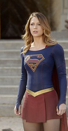 Supergirl is already making her mark on TV. On the show, Melissa Benoist (Glee) plays the quirky yet lovable superhero Kara Zor-El from the DC comics. Melissa Marie Benoist, Supergirl Season, Supergirl Tv, Supergirl And Flash, Danny Collins, Melissa Supergirl, Tv Episodes, Power Girl, Batwoman