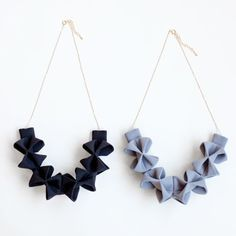 Fabric Origami Necklace - feel like I could make this.